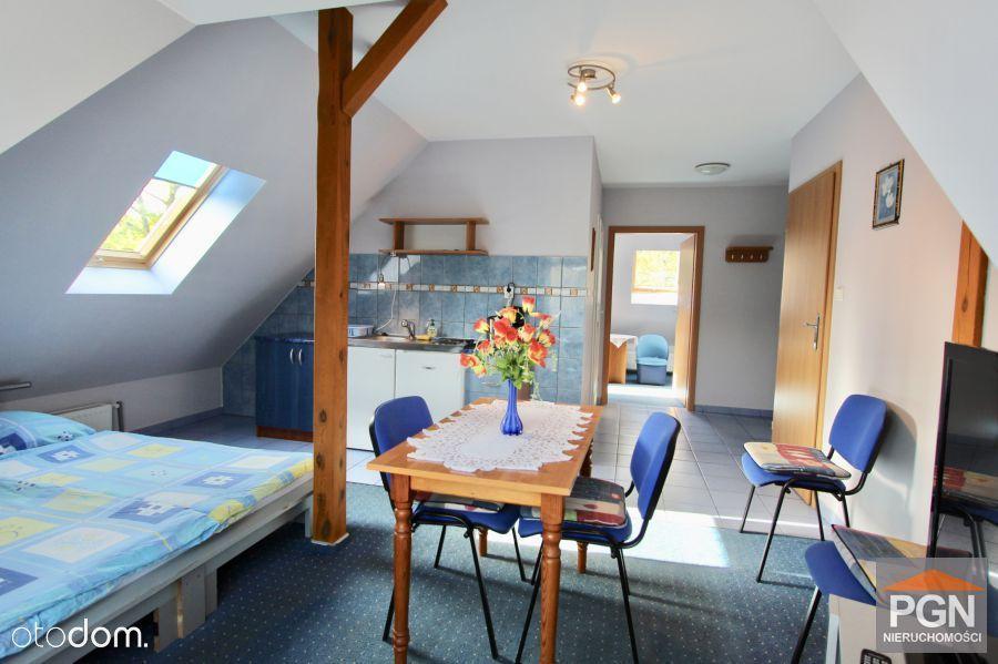 Piękny dom z pokojami dla gości w Pobierowie