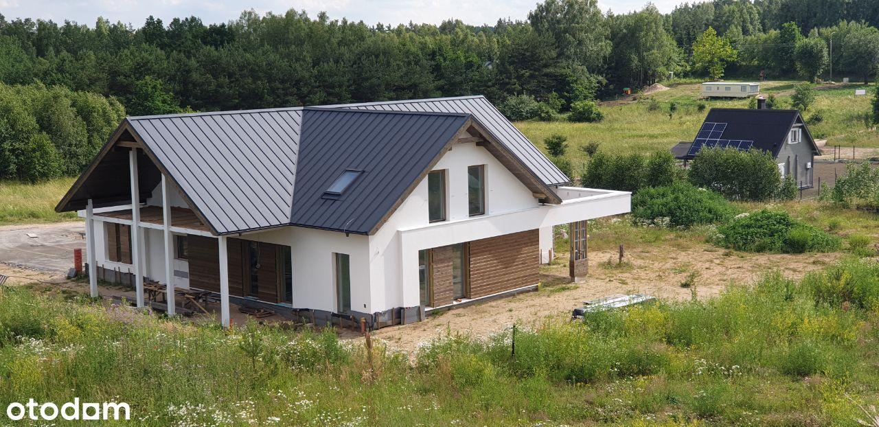 Wyjątkowy dom o stylowej bryle w Koziej Górze