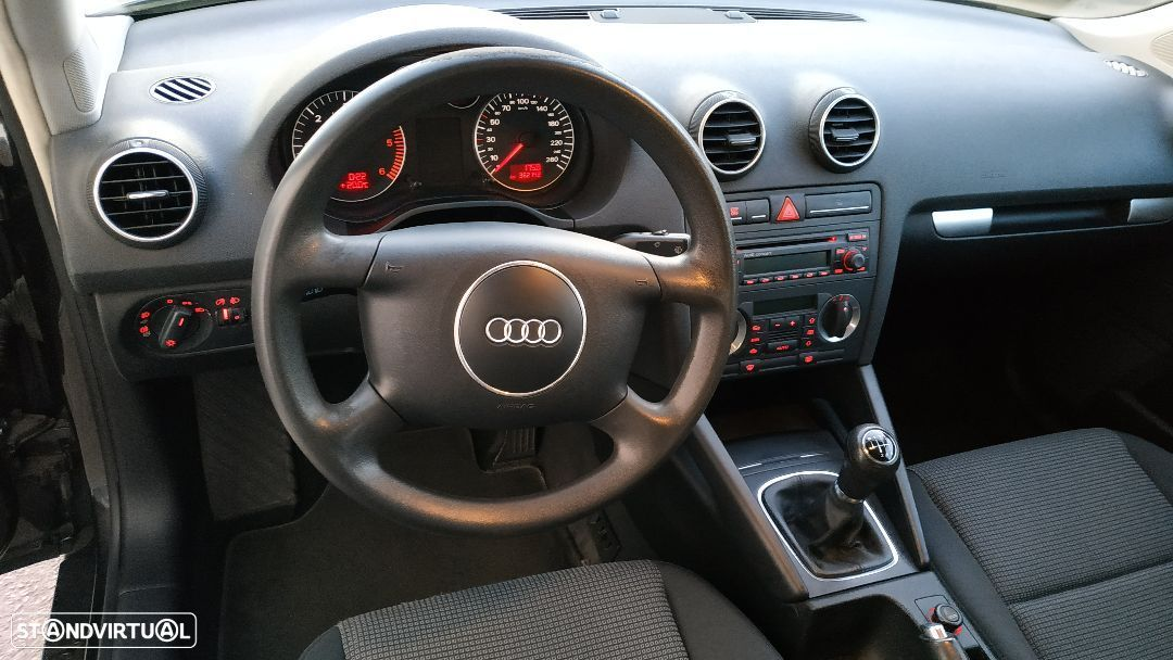Audi A3 2.0 TDi Attraction - 2