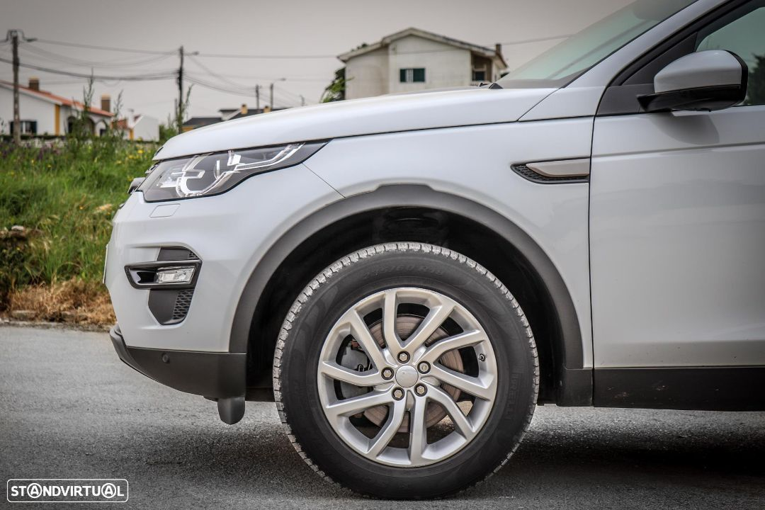 Land Rover Discovery Sport 2.0 TD4 HSE Luxury 7L - 3