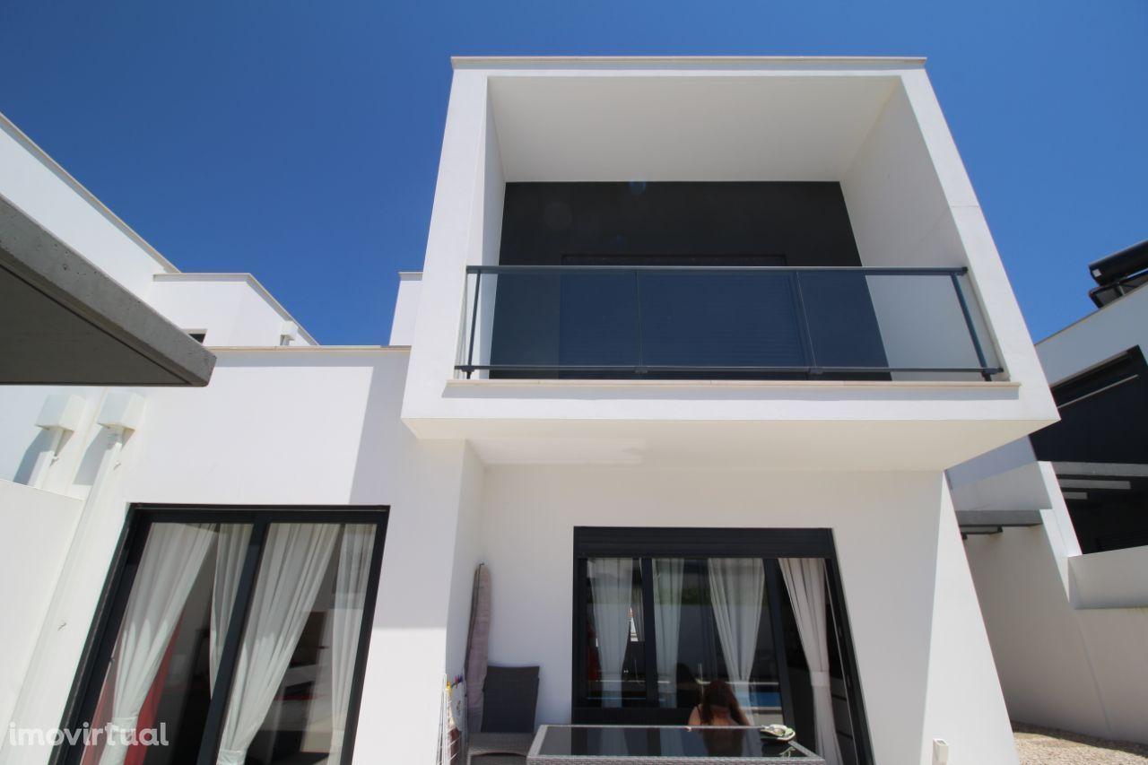 Revenda:Villa Janela Moradia de design pronta a habitar Salir do Porto