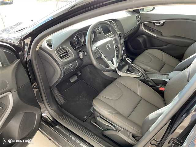 Volvo V40 Cross Country 2.0 D3 Plus Geartronic - 8