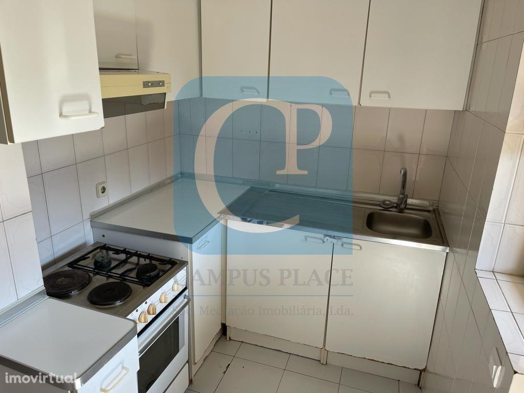 Apartamento T1+1 em Moreira