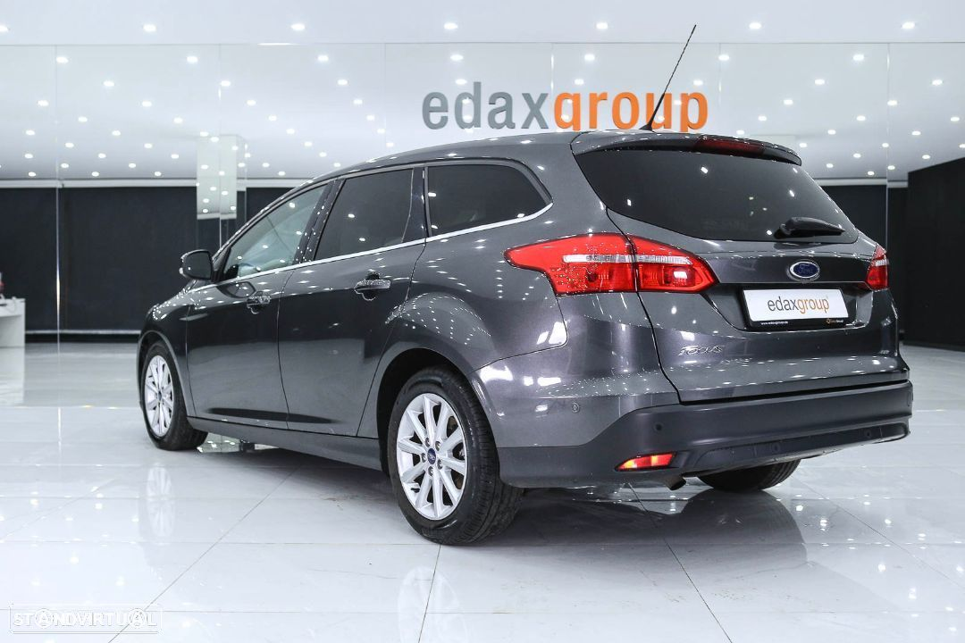 Ford Focus SW - 12