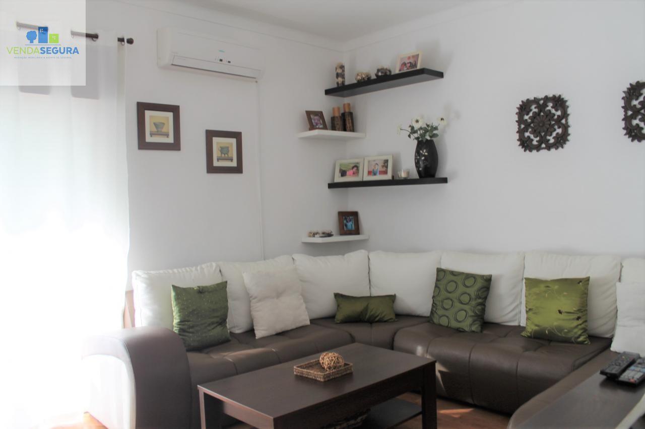 Apartamento T4   Zona da Porta Nova   MOURA