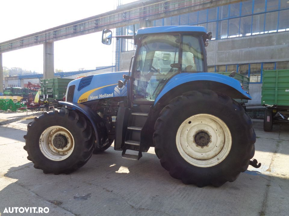 New Holland T8020 - 9