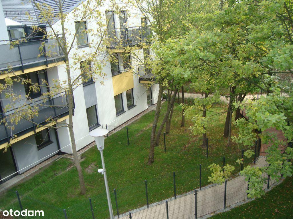 Zamknięte, pełne zieleni osiedle / balkon 8 m2