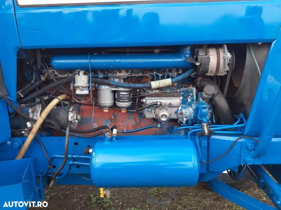 Ford 8700 - 5