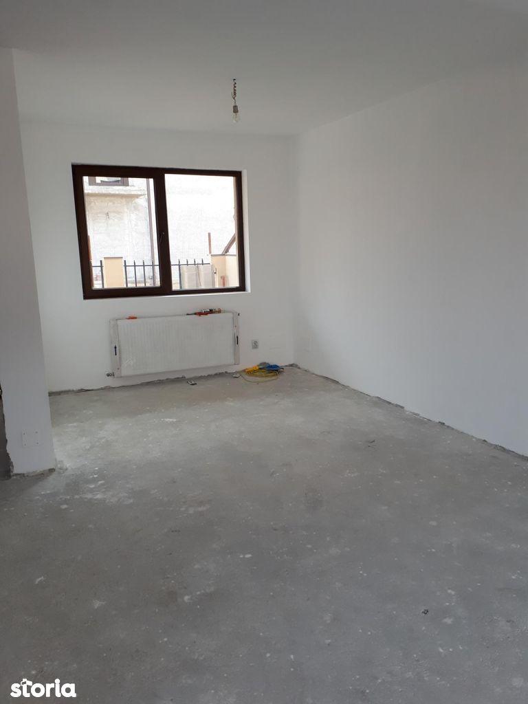 Duplex 4 camere Bragadiru Rostar apa si canalizare
