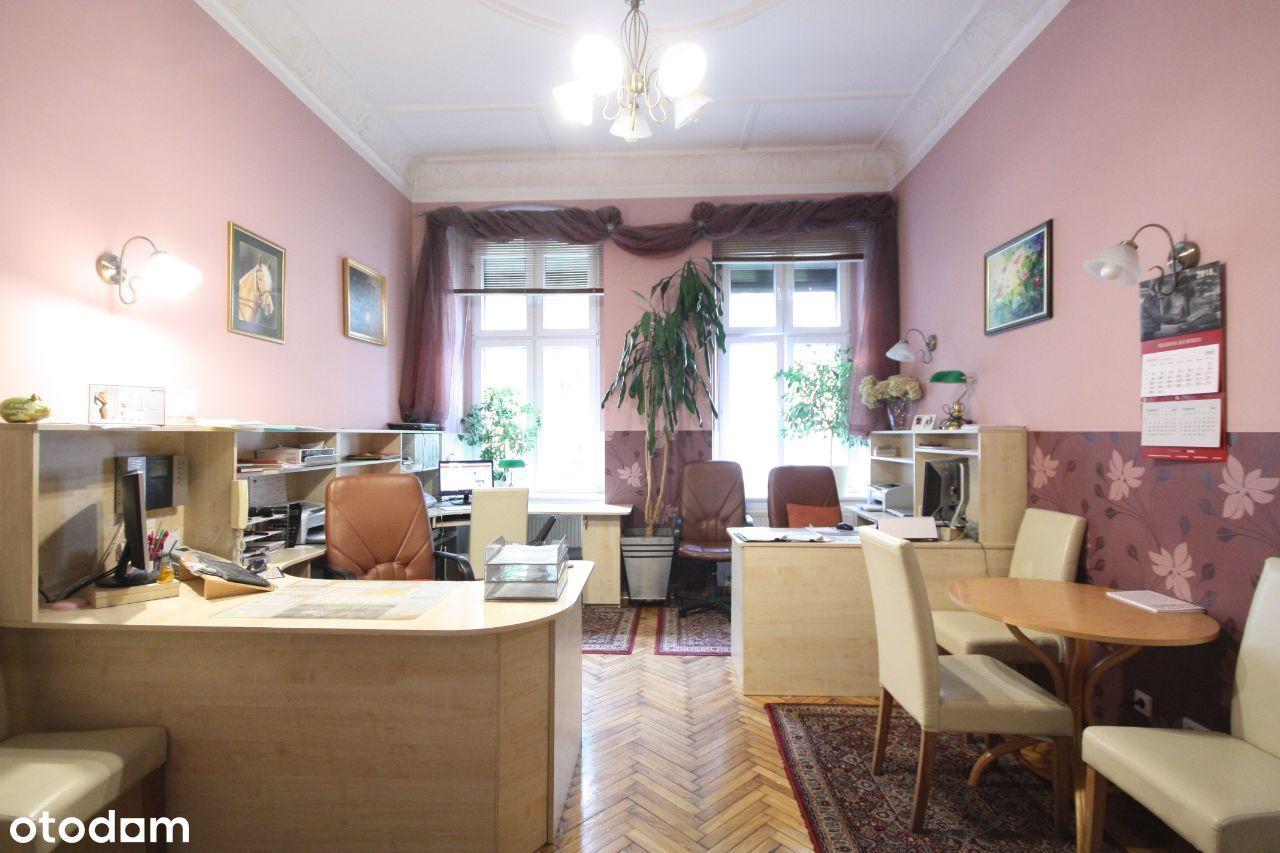 Lokal w centrum na kancelarię lub biuro.
