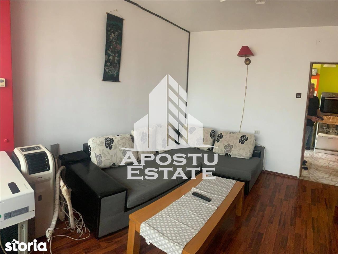 Apartament cu 2 camere in zona Circumvalatiunii decomandat