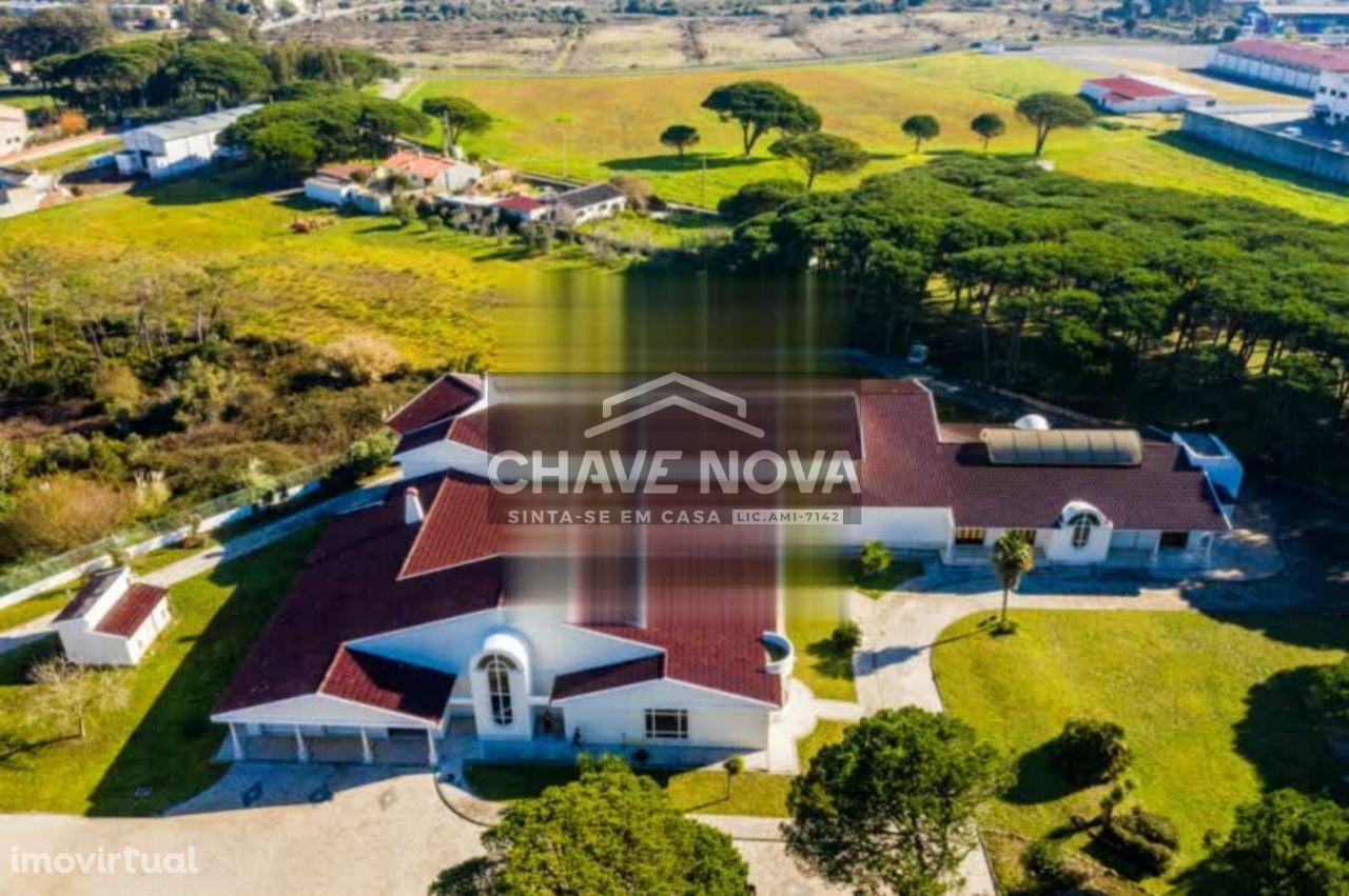 Luxuosa Herdade/Quinta da Cascata com 1.558 m2 em Sintra, Lourel