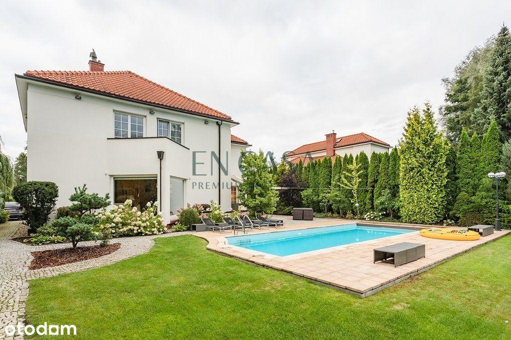 Elegancki dom z basenem