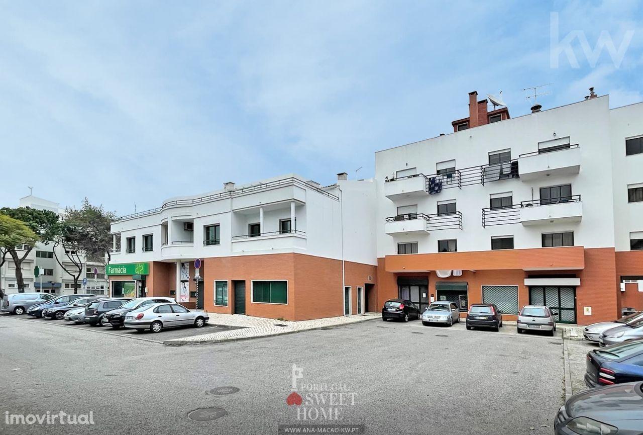 Oeiras, Queluz de Baixo, Duplex T4 com Terraço e Garagem para 2 carros