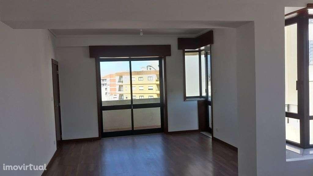 1a1c0d4916fe 135 m² Apartamento T3 + 1 (remodelação total/NOVO) junto ao El Corte Inglés