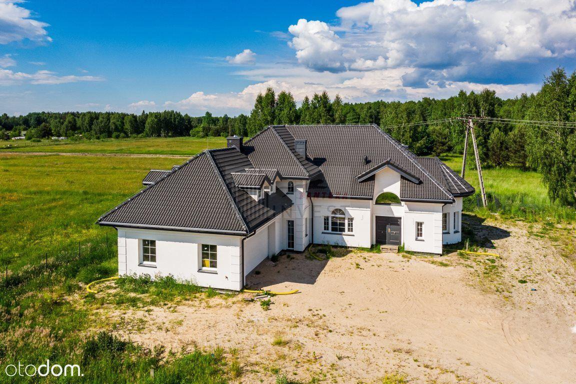 Piękny dom, jedyny w swoim rodzaju - Zalesiany