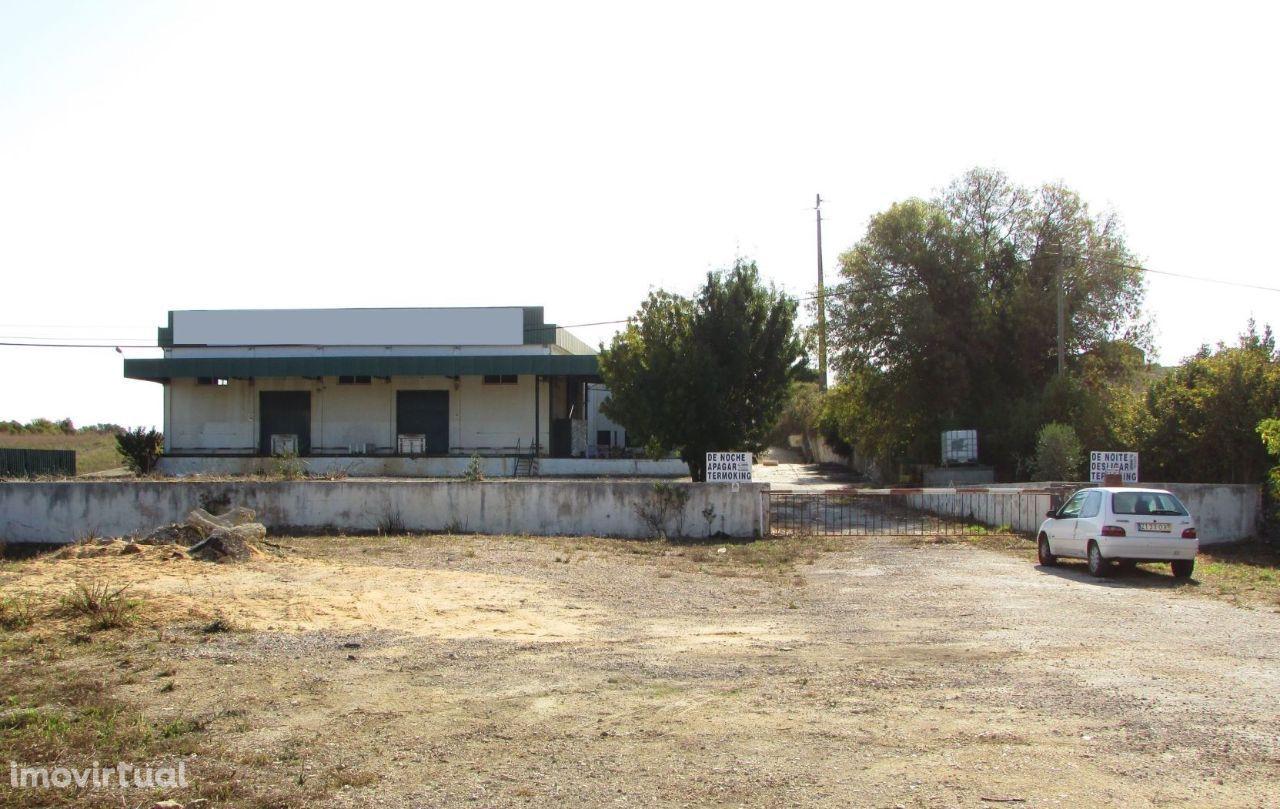 Armazem + Moradia + Casa Antiga 8052m2 - Possibilidade de Permuta