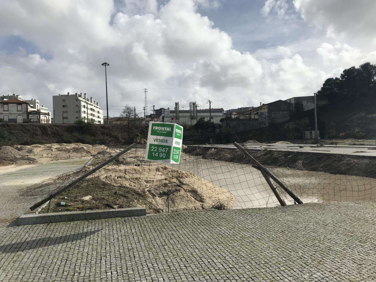 Terreno para comprar, Águas Santas, Porto - Foto 1
