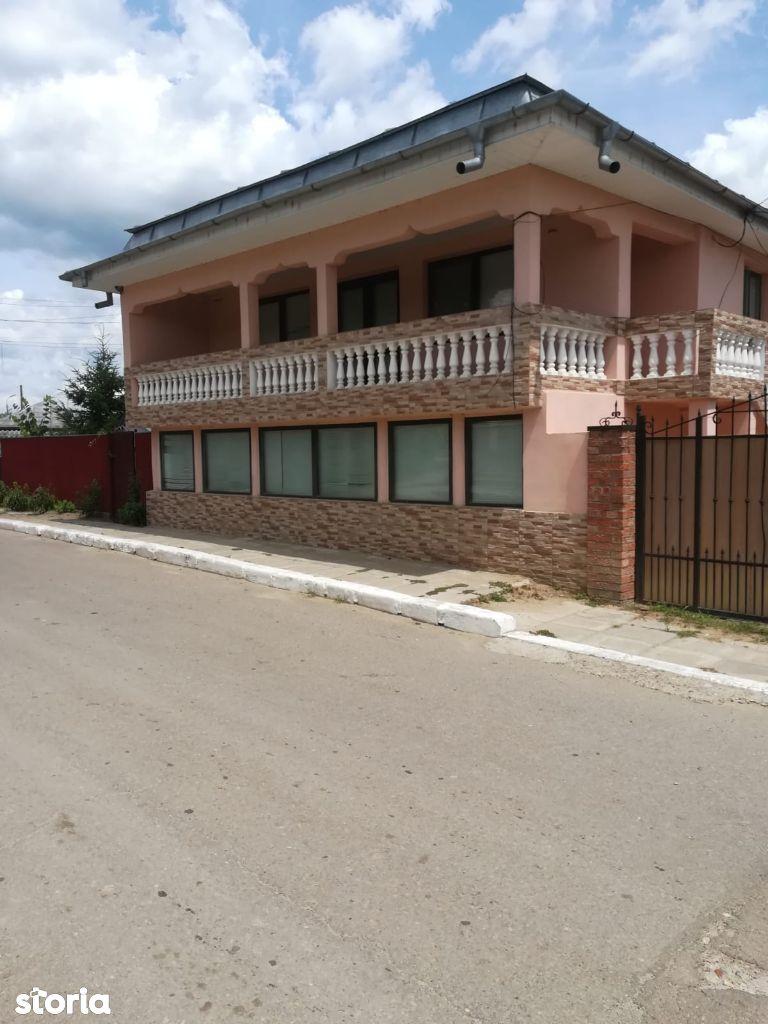 Vanzare Casa + Teren, Beresti