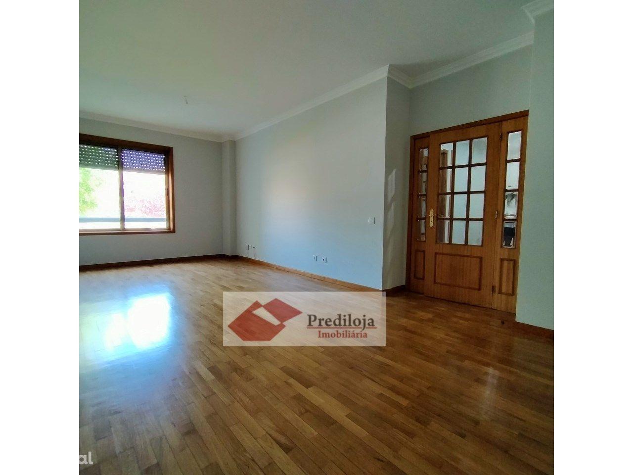 Apartamento T2 c/ Suite, Lugar gar., Caulinos, Sr.ª. Hora