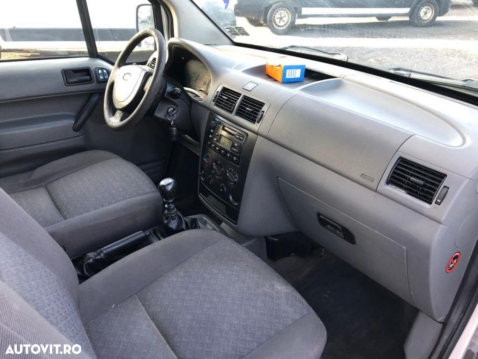 Ford Courier - 8