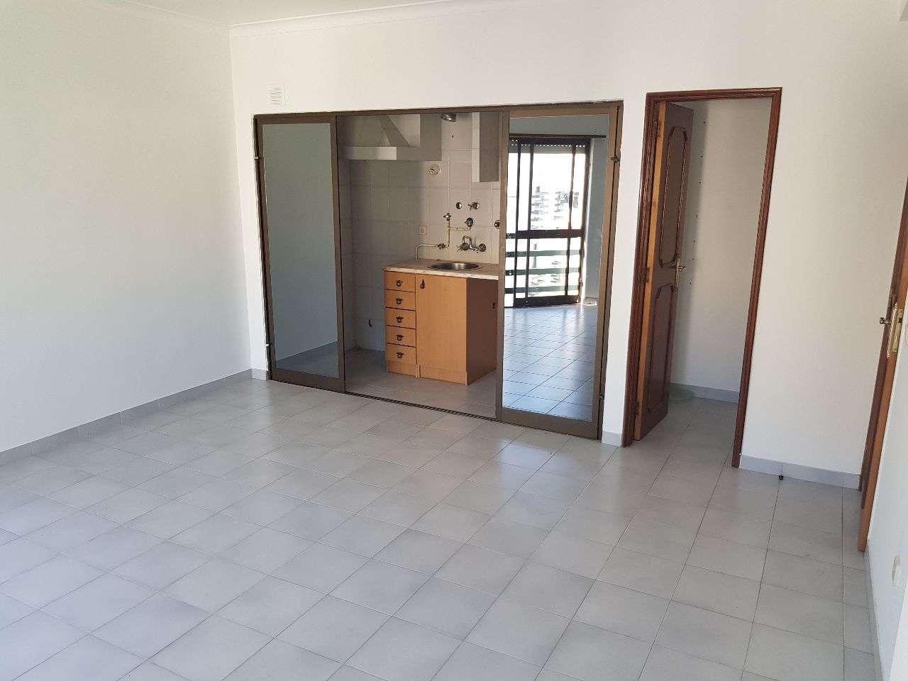 Apartamento para arrendar, Santarém (Marvila), Santa Iria da Ribeira de Santarém, Santarém (São Salvador) e Santarém (São Nicolau), Santarém - Foto 4