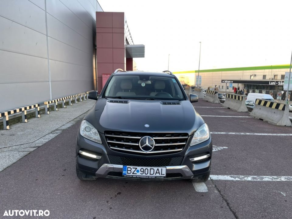 Mercedes-Benz ML 350 - 8