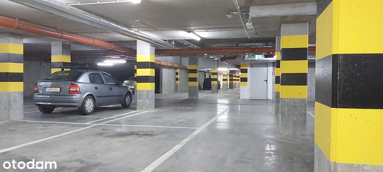 Garaż, miejsce postojowe, monitoring, bezpośrednio