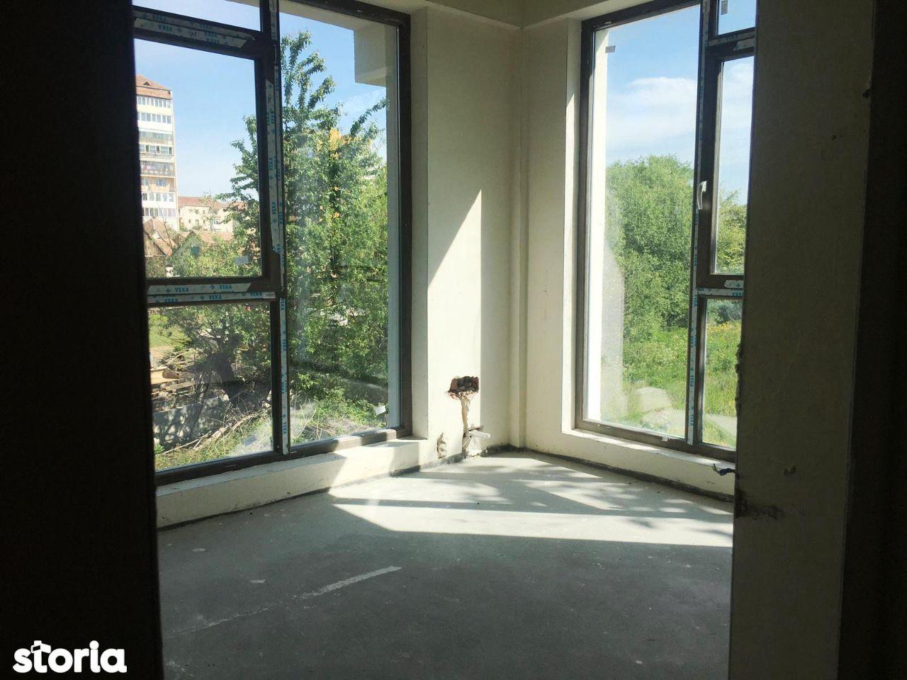 Apartament 2 camere insorit Doamna Stanca Azure Residence