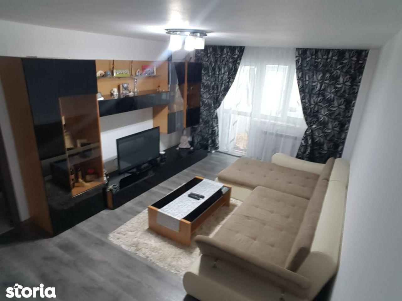 Apartament 4 camere complet renovat