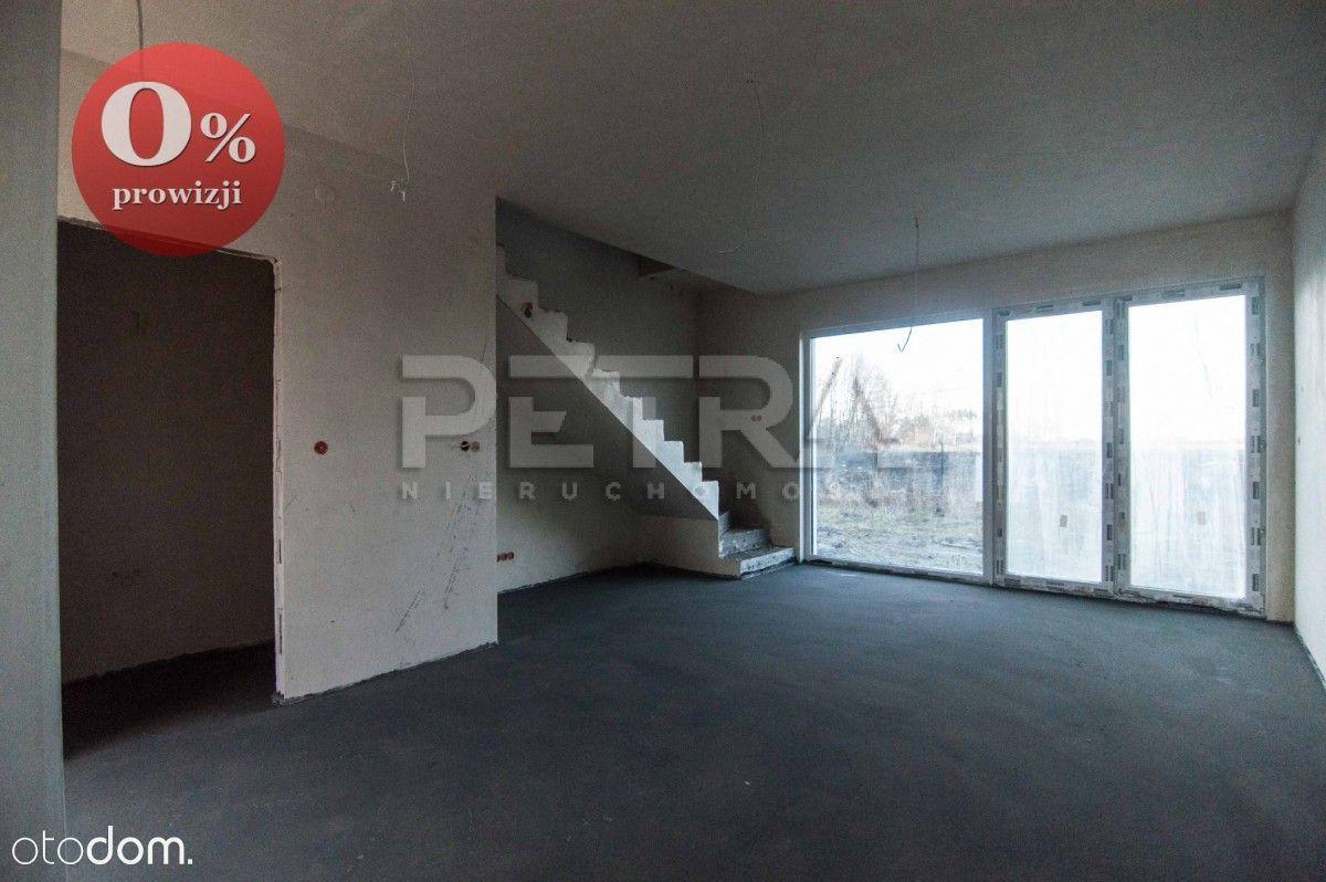Segment z garażem, ogród 75 m2, 2 łazienki