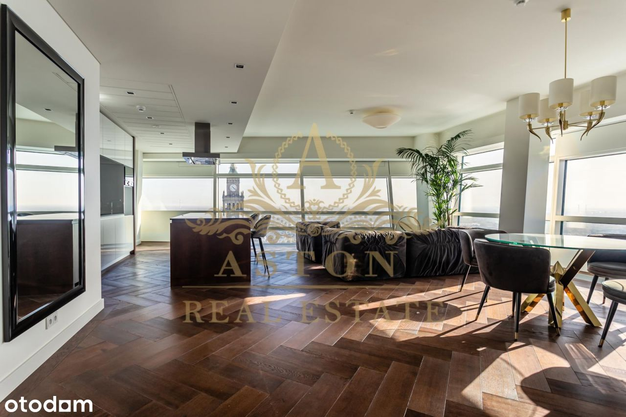 Amazing apartment on 47th floor on Złota 44