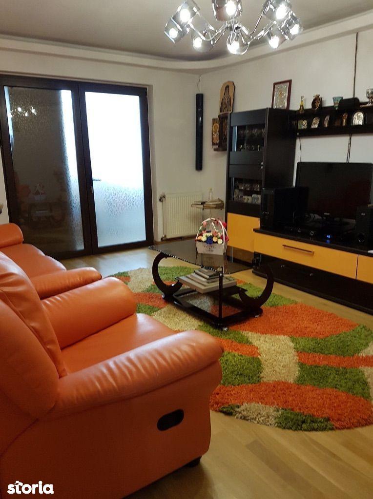 Apartament 3 decomandat,Piata Sud,semimobilat
