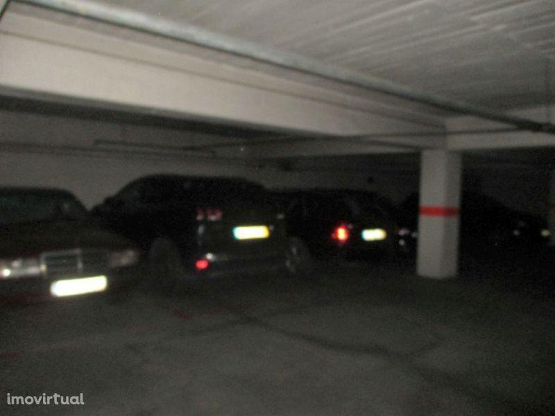 Garagem para comprar, Torres Vedras (São Pedro, Santiago, Santa Maria do Castelo e São Miguel) e Matacães, Torres Vedras, Lisboa - Foto 3