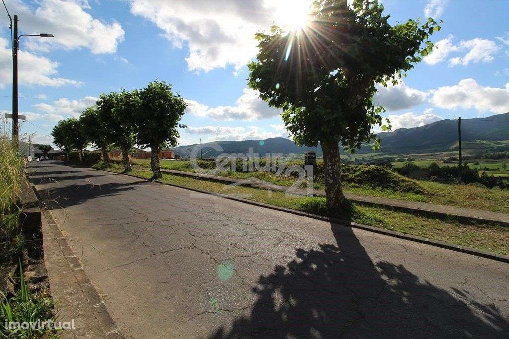 Terreno para comprar, Nossa Senhora dos Remédios, Ilha de São Miguel - Foto 1