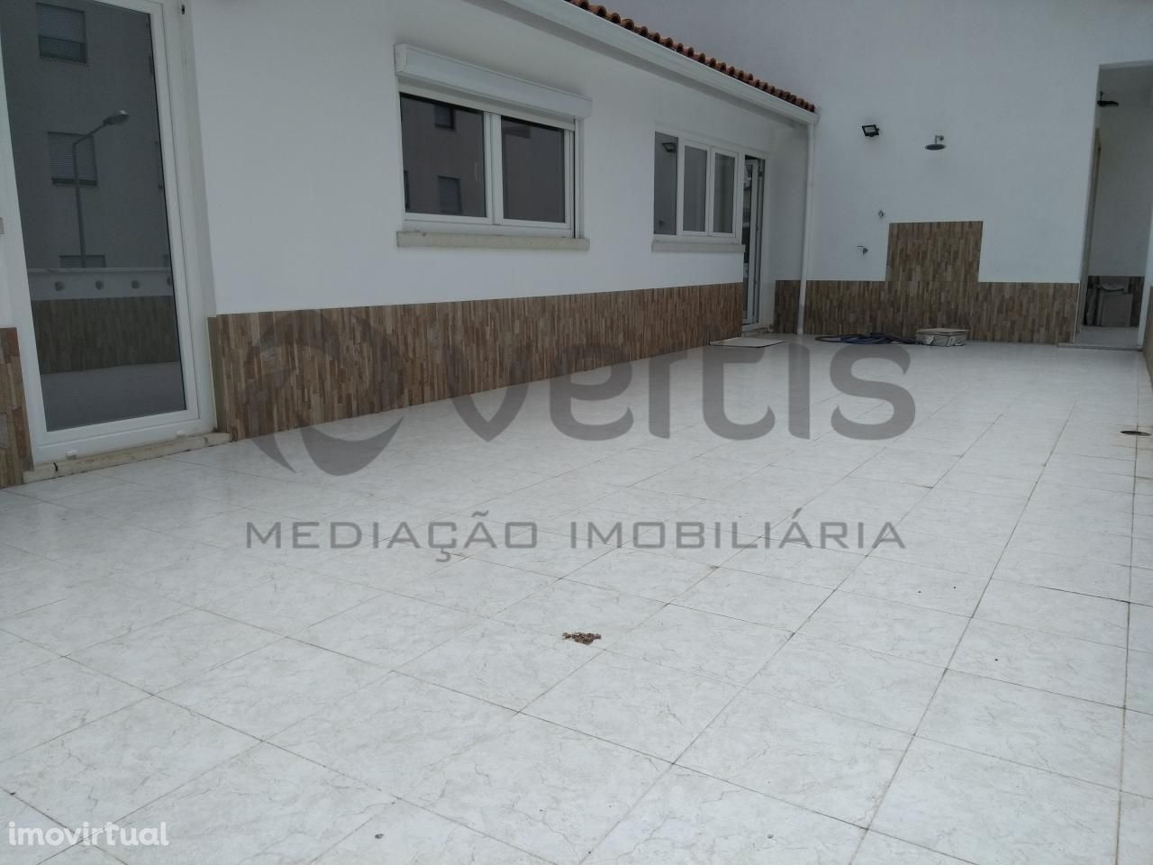 Apartamento T4 C/ terraço com 40 m2 e Vista Mar - Sesimbra