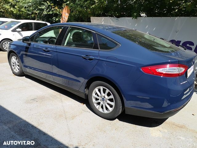 Ford Mondeo 1.5 - 4