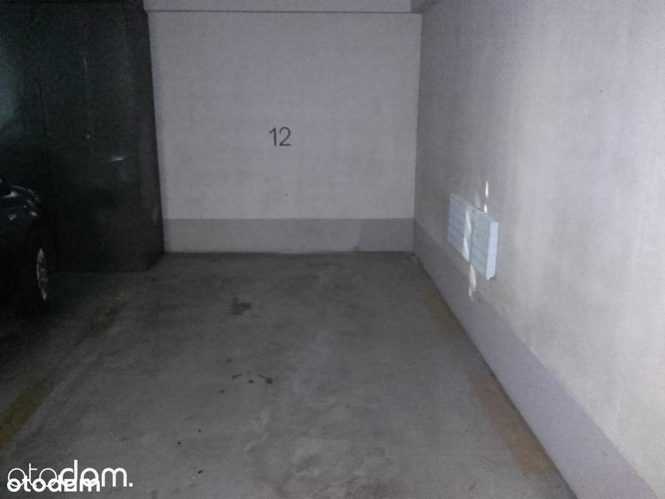 Sprzedam Miejsce Postojowe w garażu - Chmieleniec
