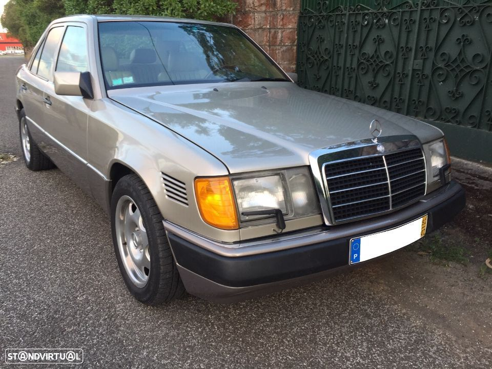 Mercedes-Benz 300 D Turbo - 35
