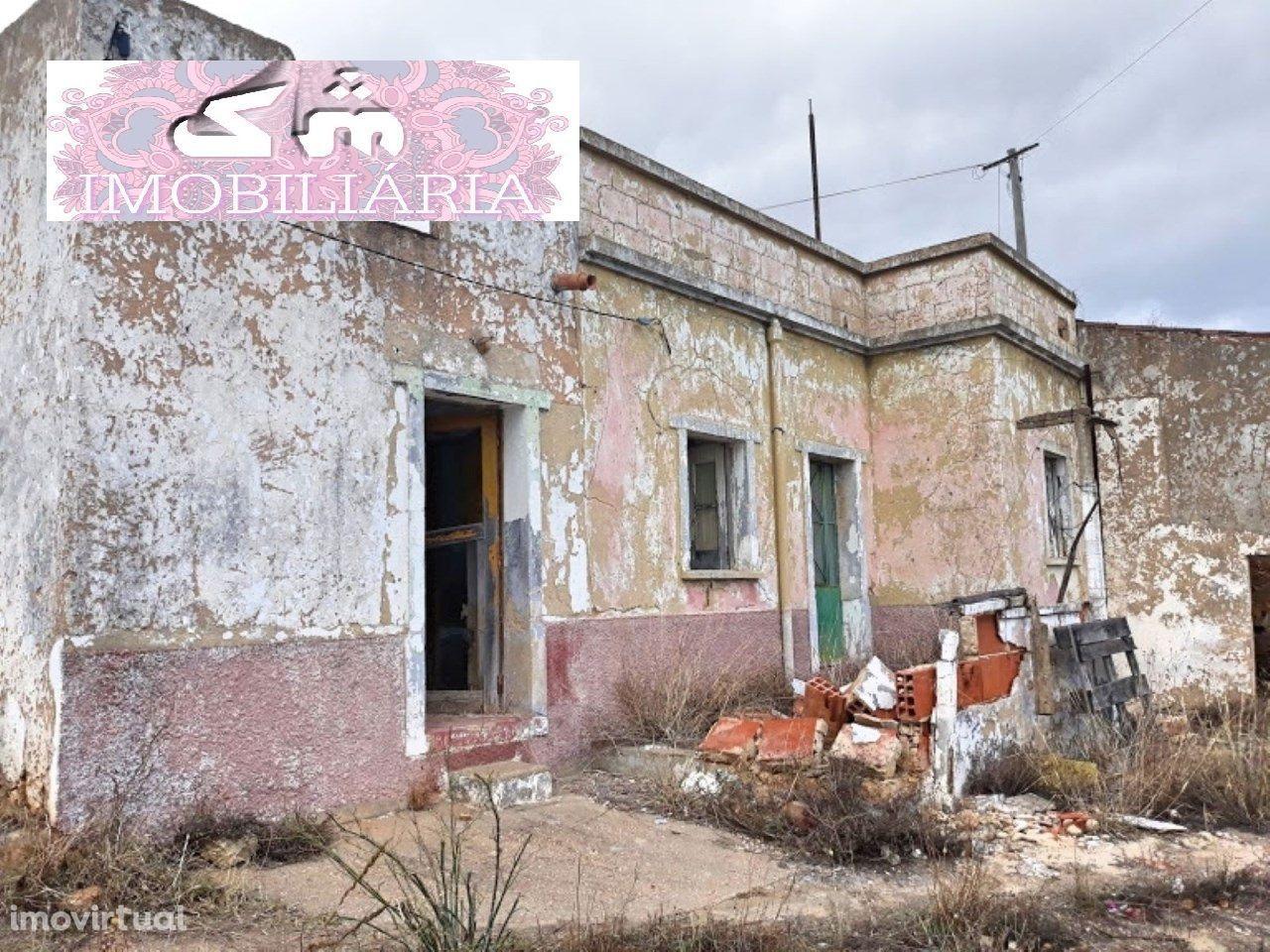 Terreno Urbano com projecto para Moradia V3, Em Quelfes