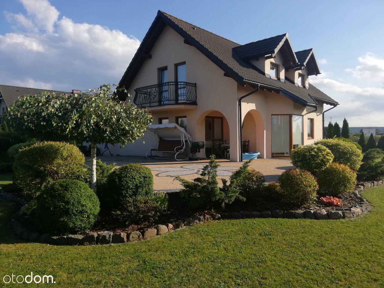 Przytulny i klimatyczny dom w spokojnej okolicy