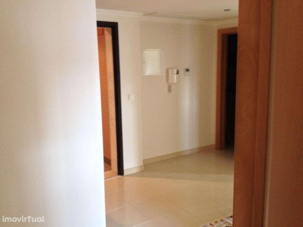 Apartamento para comprar, Praceta Quinta da Marialva, Corroios - Foto 2