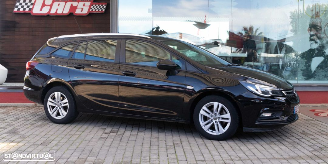 Opel Astra Sports Tourer - 16