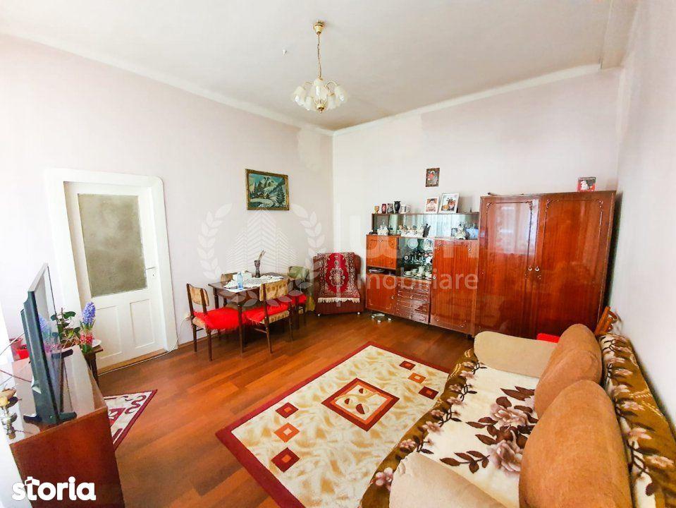 Apartament 2 camere    Etaj 2/3   Cladire istorica   zona Horea!