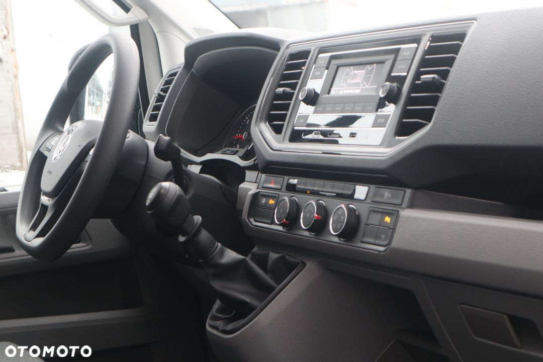 Volkswagen Crafter Furgon  Furgon 2.0 l TDI 140KM  BlueMotion Technology rozstaw osi: 3640 mm - 13
