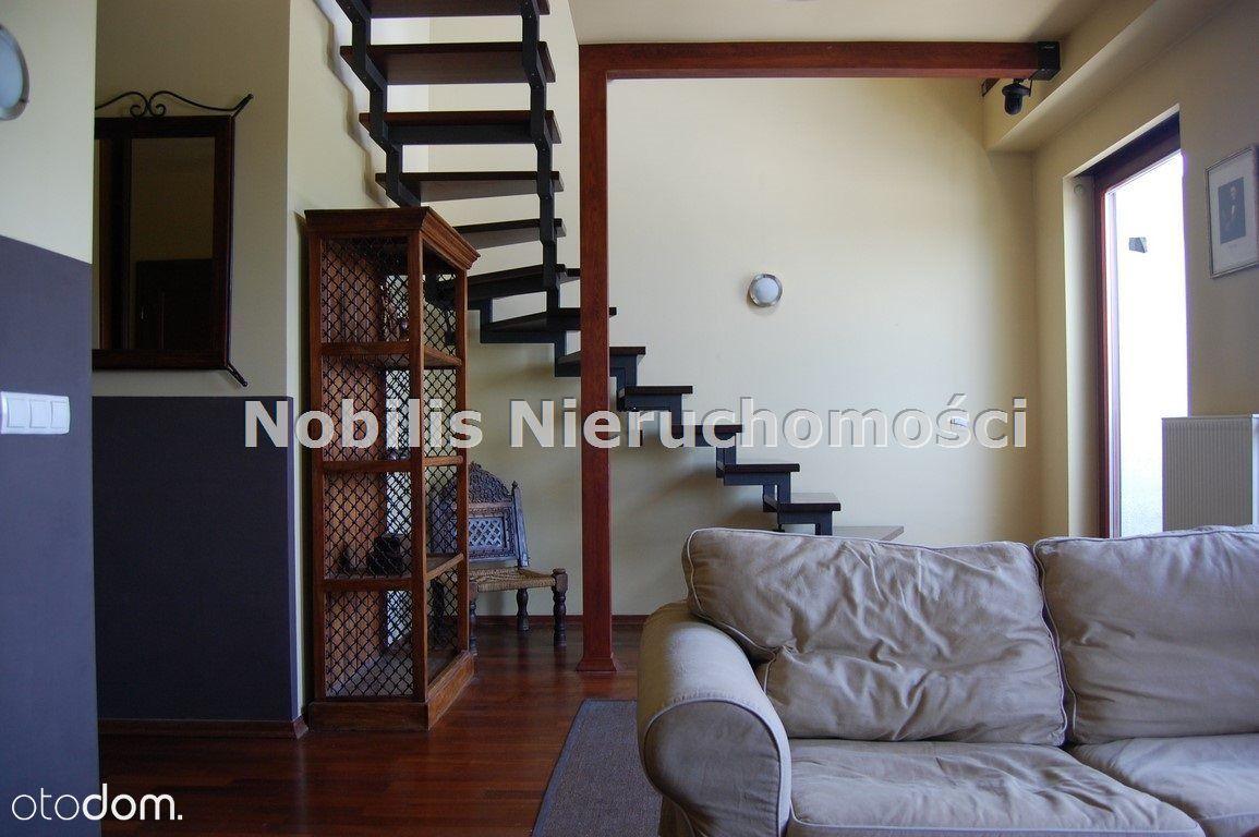 Mieszkanie II-poziomowe 2 pokojowe 2007r