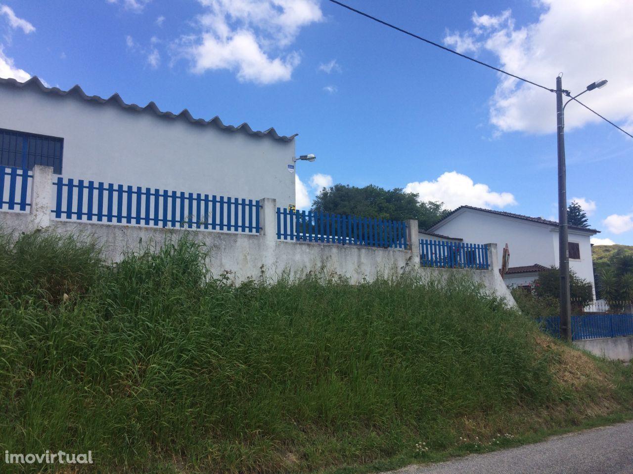 Armazém industrial em Arranhó, Arruda dos Vinhos