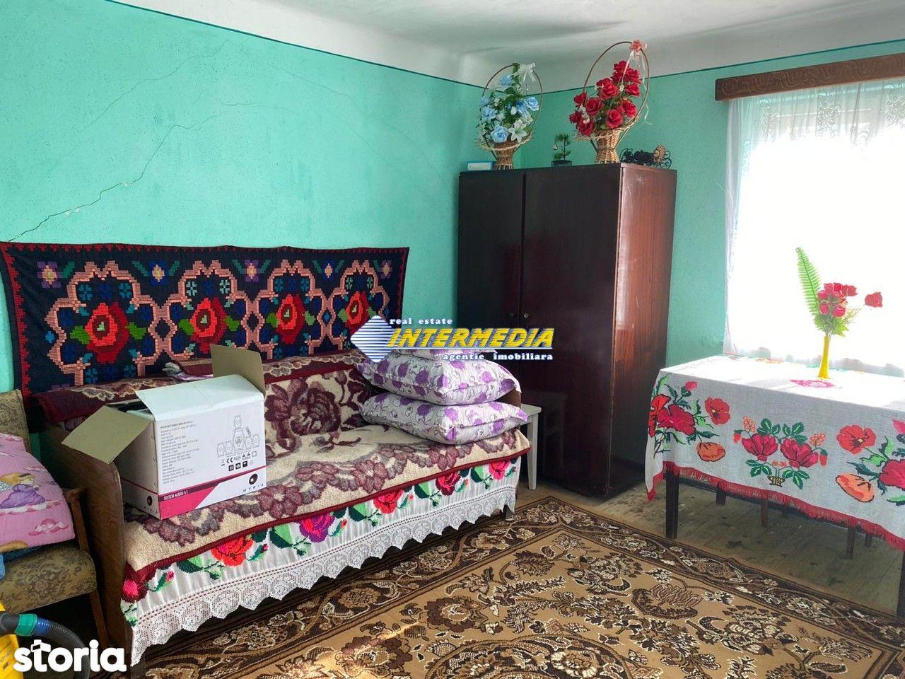 Casa - Cabana de vanzare P+1 cu 1682 mp de teren zona Presaca