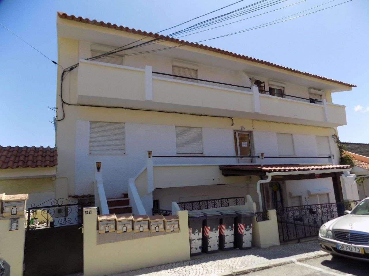 Prédio para comprar, Santa Iria de Azoia, São João da Talha e Bobadela, Lisboa - Foto 1
