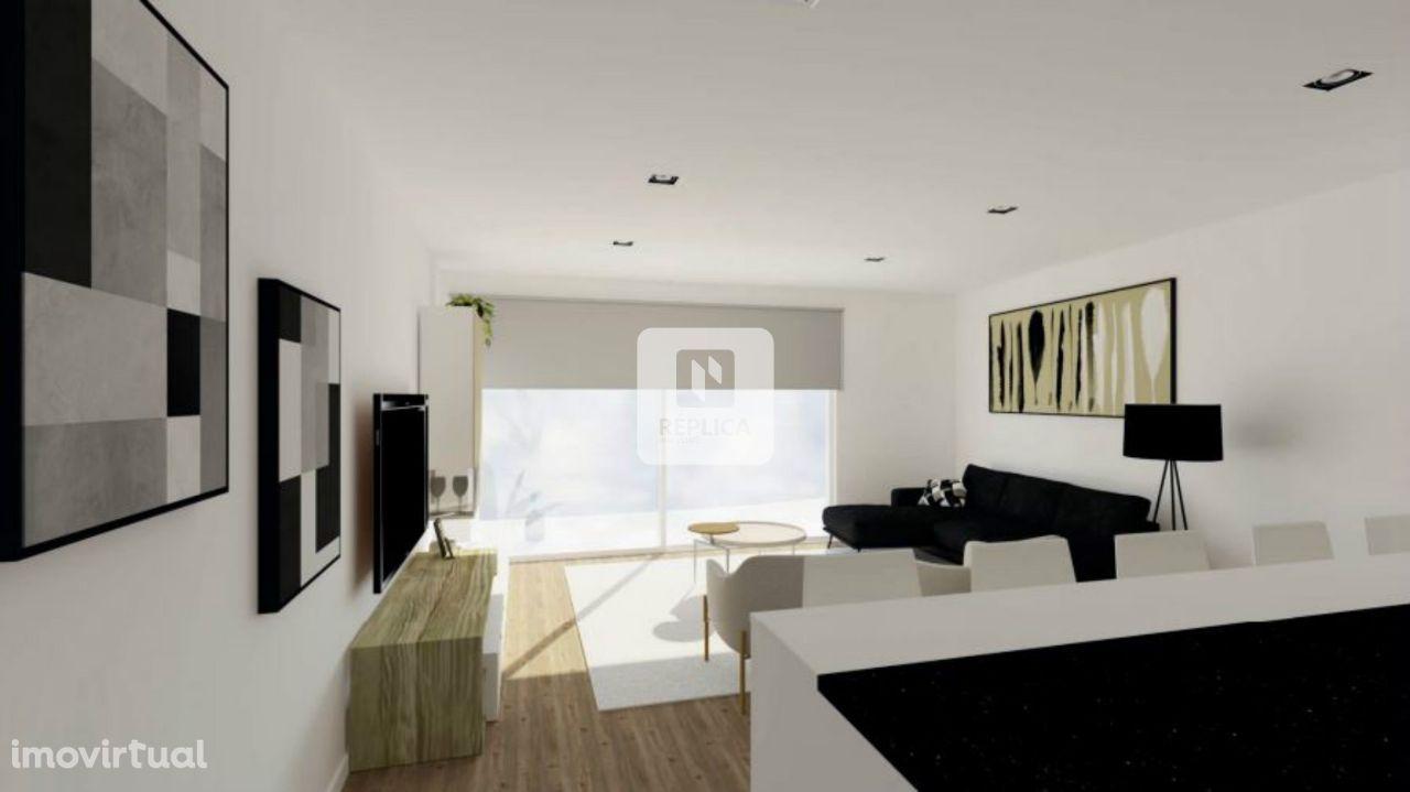 Apartamento T2 Com Varanda e Lugar de Garagem em Matosinhos.